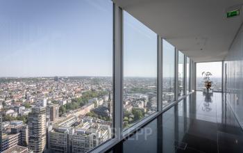 Besser kann eine Aussicht nicht sein - Miete dein neues Büro am Thurn-und-Taxis-Platz