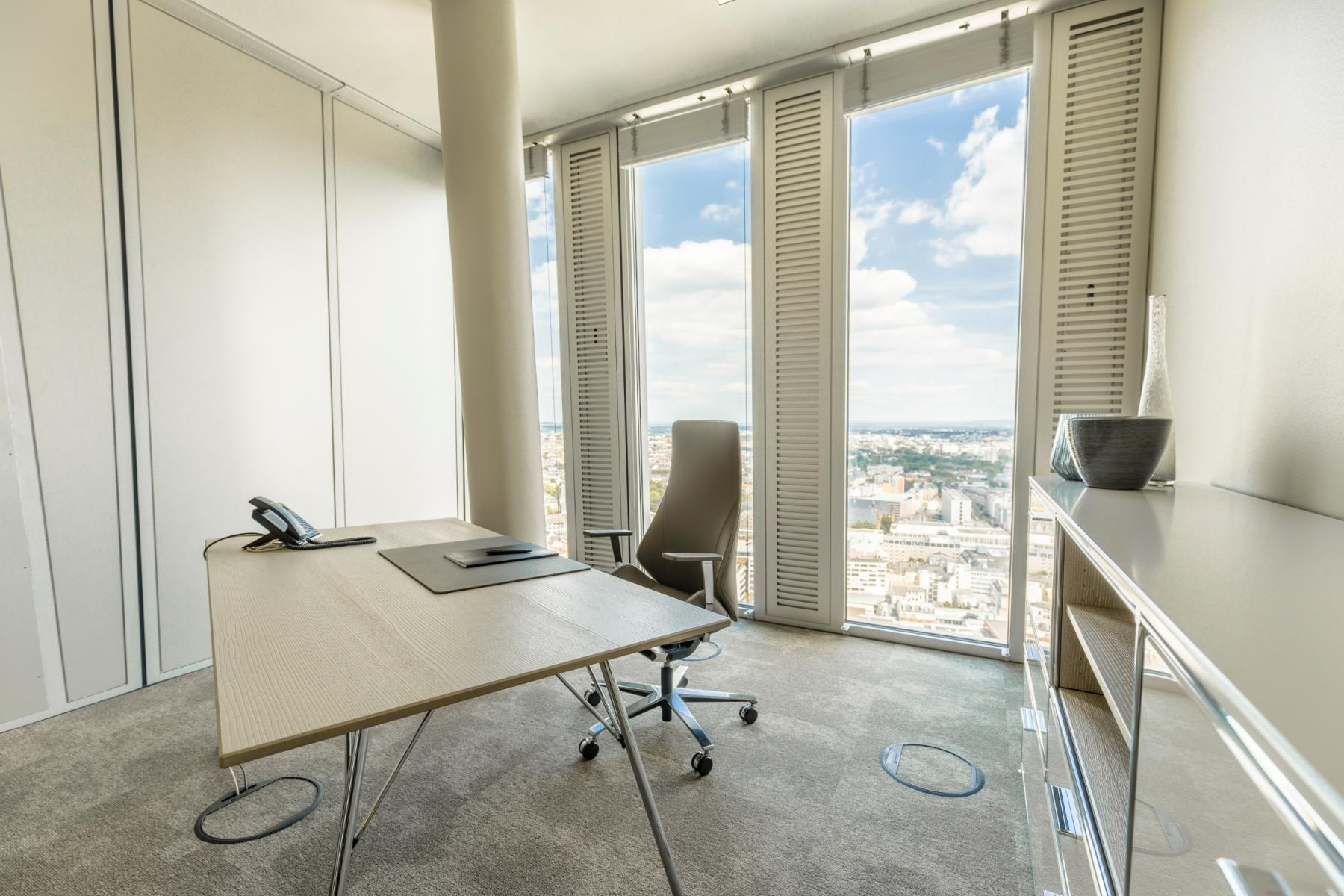 Rent an office with a breathtaking view in Frankfurt