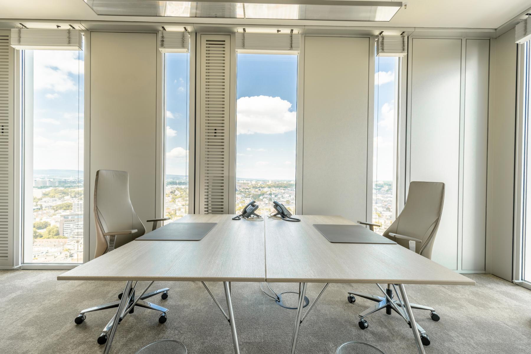 Miete ein wunderschönes Büro mit einer modernen Einrichtung in Frankfurt
