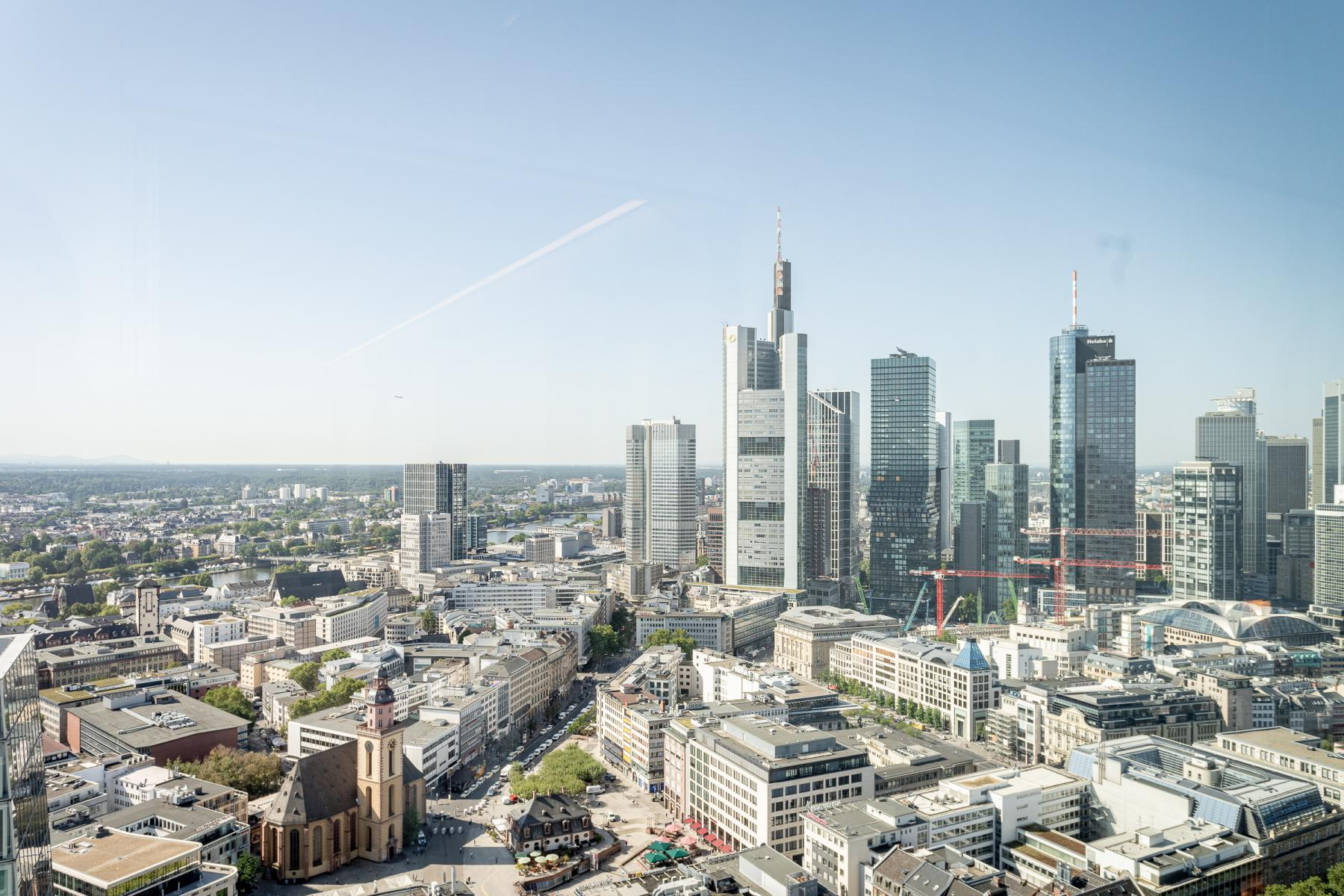 Mainhattan in front of your desk - Enjoy the skyline from your office for rent