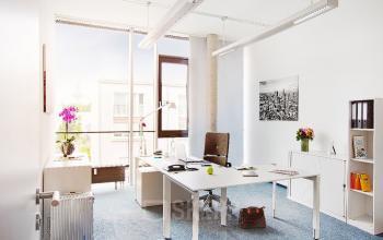 Helles Büro mieten in Frankfurt an der Sebastian-Kneipp-Straße mit angenehmer Arbeitsatmosphäre