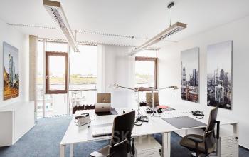 Hochmoderner Büroraum mieten in Frankfurt Nord an der zentral liegenden Sebastian-Kneipp-Straße
