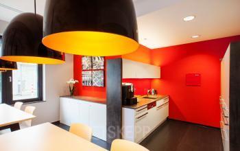 Eine Bürofläche mieten in Frankfurt Nord mit stimmungsvoller und großer Küche