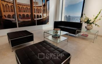 Bequeme Business Lounge des Business Center in Frankfurt-Westend