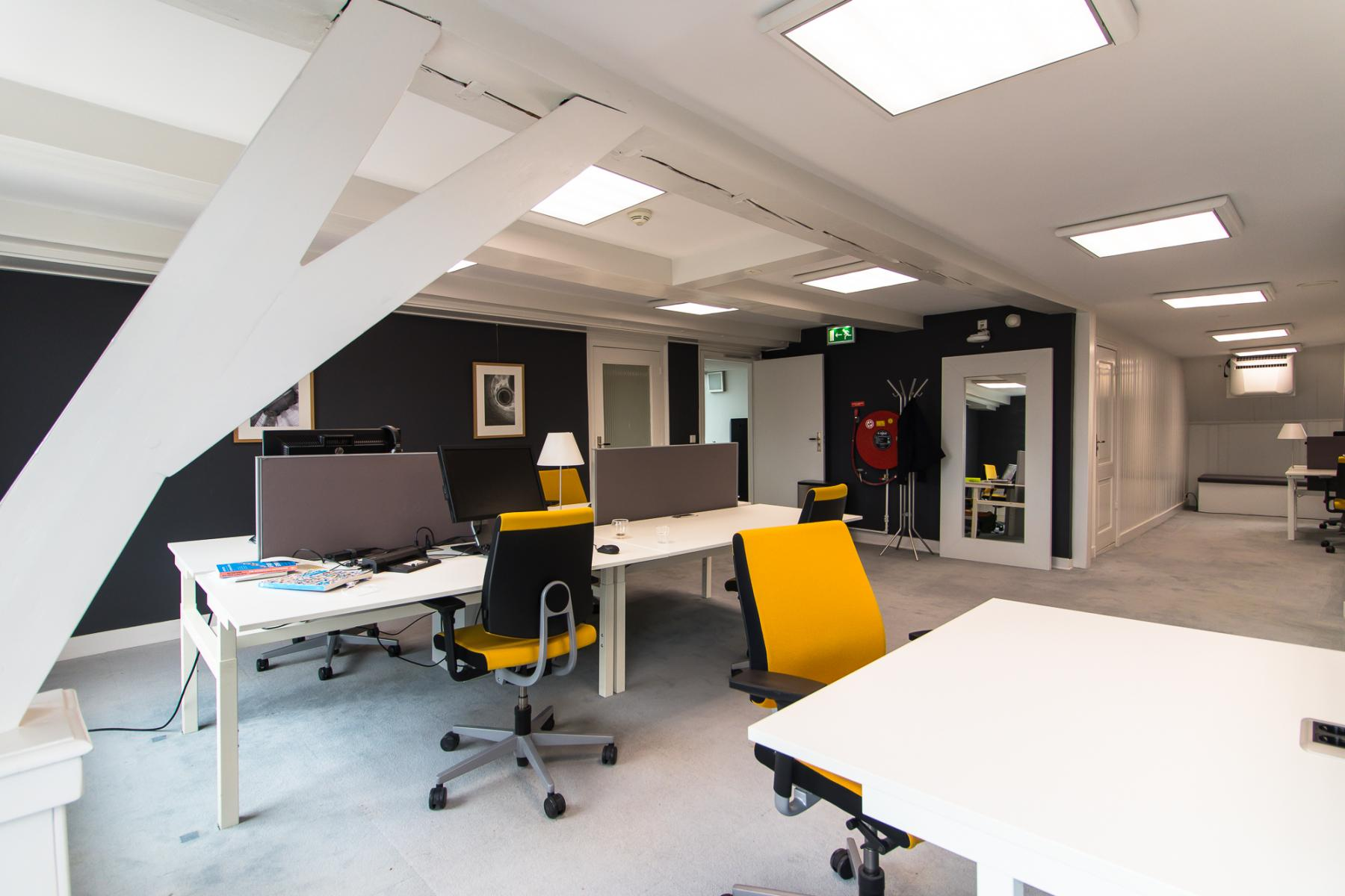 Modern workplaces for rent at canal house in Haarlem