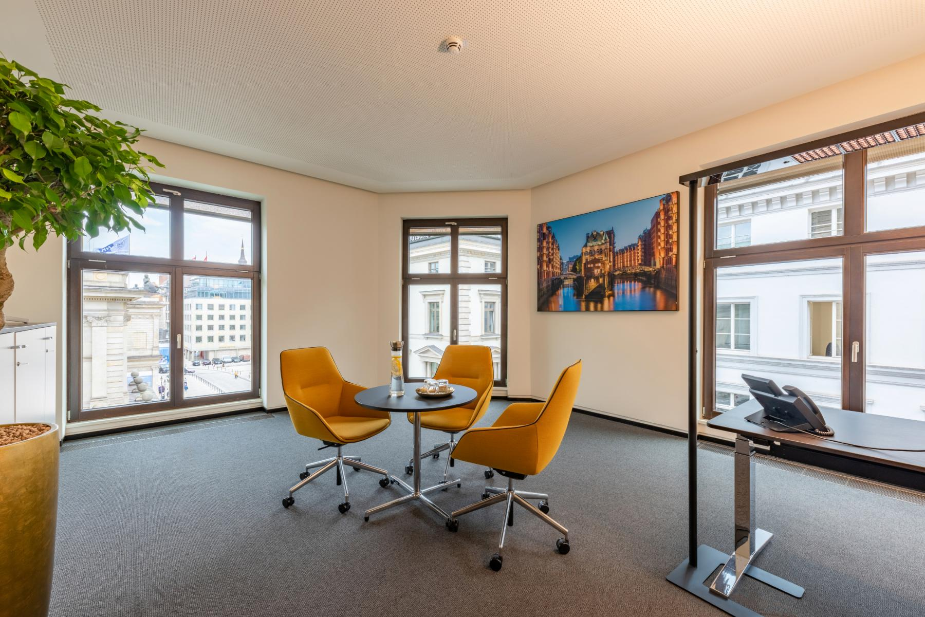 big office for rent in Hamburg at Alter Wall