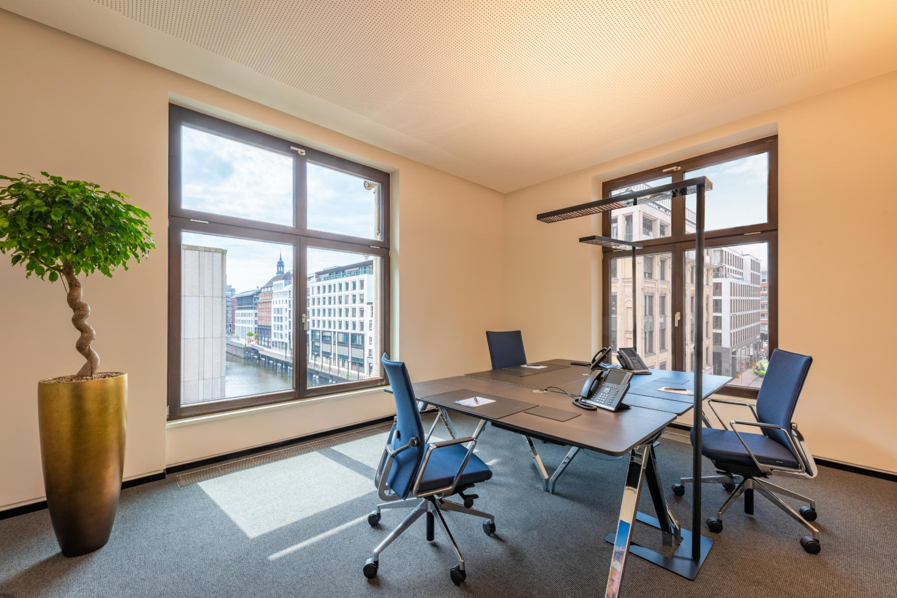 Modern office space for rent in Hamburg
