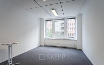 Miete ein geräumiges Privatbüro in Hamburg Hafencity