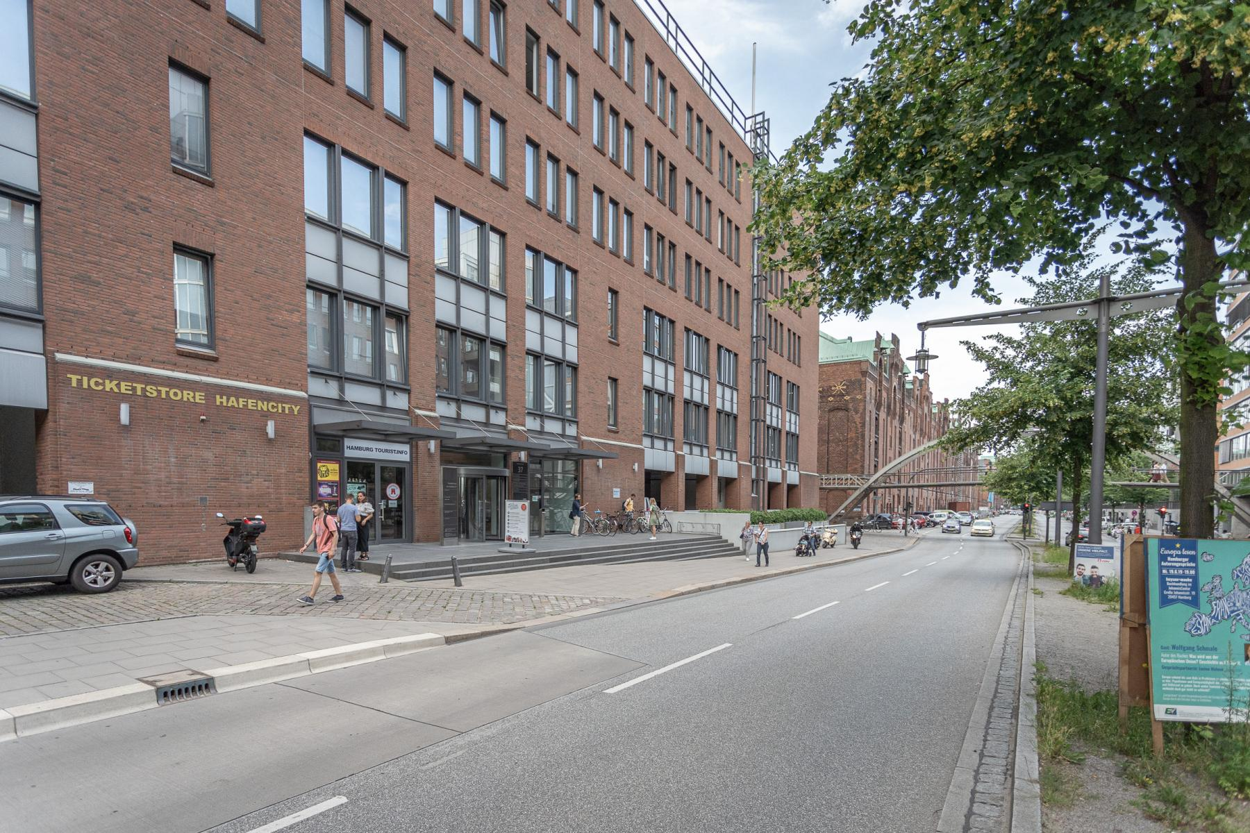 Außenfassade des Bürogebäudes in Hamburg Hafencity