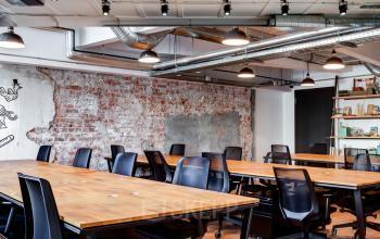 Großes modernes Büro sehr stylisch eingerichtet