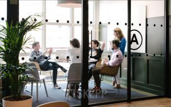 Modernes Büro mit Glaswand zur Miete in der Hamburger Neustadt