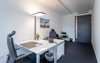 Teambüro zu vermieten im modernen Bürogebäude in Hamburg