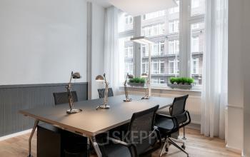 Team Büro mieten in Hamburg Neustadt für vier Personen