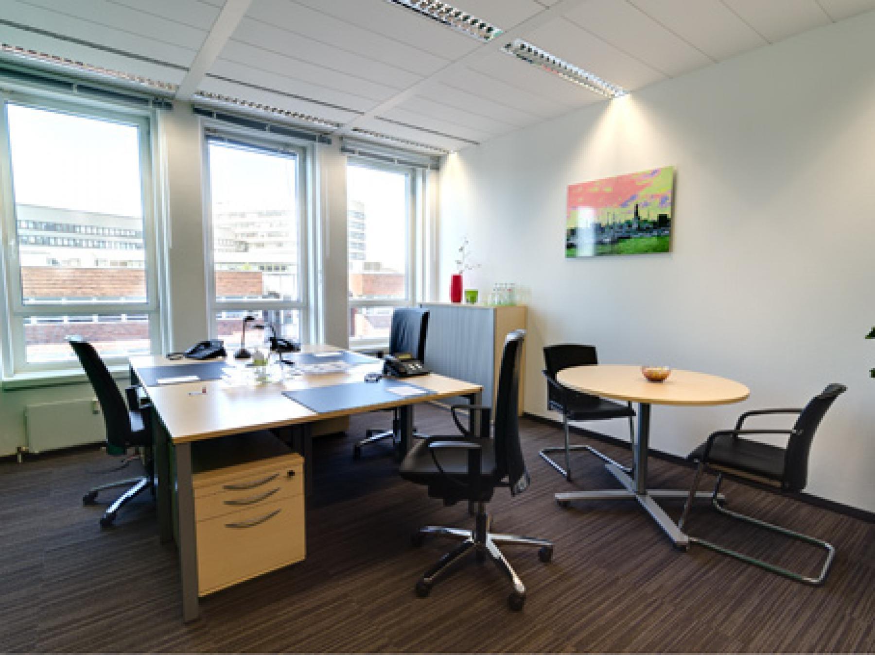 Großes Büro mieten in Hamburg-Neustadt