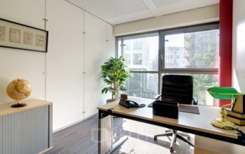 Erstklassiges Büro mieten in der Immobilie am Valentinskamp in Hamburg Neustadt