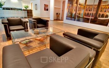Bequeme Business Lounge der Immobilie in Hamburg