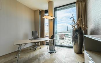 Big and bright office rooms in Hamburg for rent