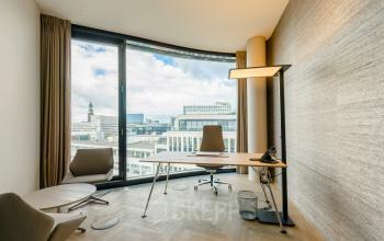 Rent an office with a breathtaking view in Hamburg