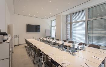 Moderne Konferenzräume im Bürogebäude Hamburg Hafencity