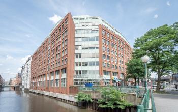 Fassade des Bürogebäudes in Hamburg