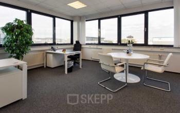 Großer Büroraum mit großer Fensterfront und fantastischer Ausssicht in Hamburg-Nord