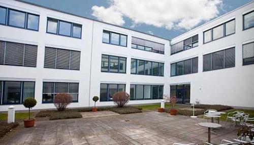 Business Center mit großem Innenhof in Hamburg, Lademannbogen
