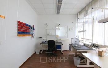 Büroraum mieten mit hochwertigen Möbeln am Brabrinke in Hannover