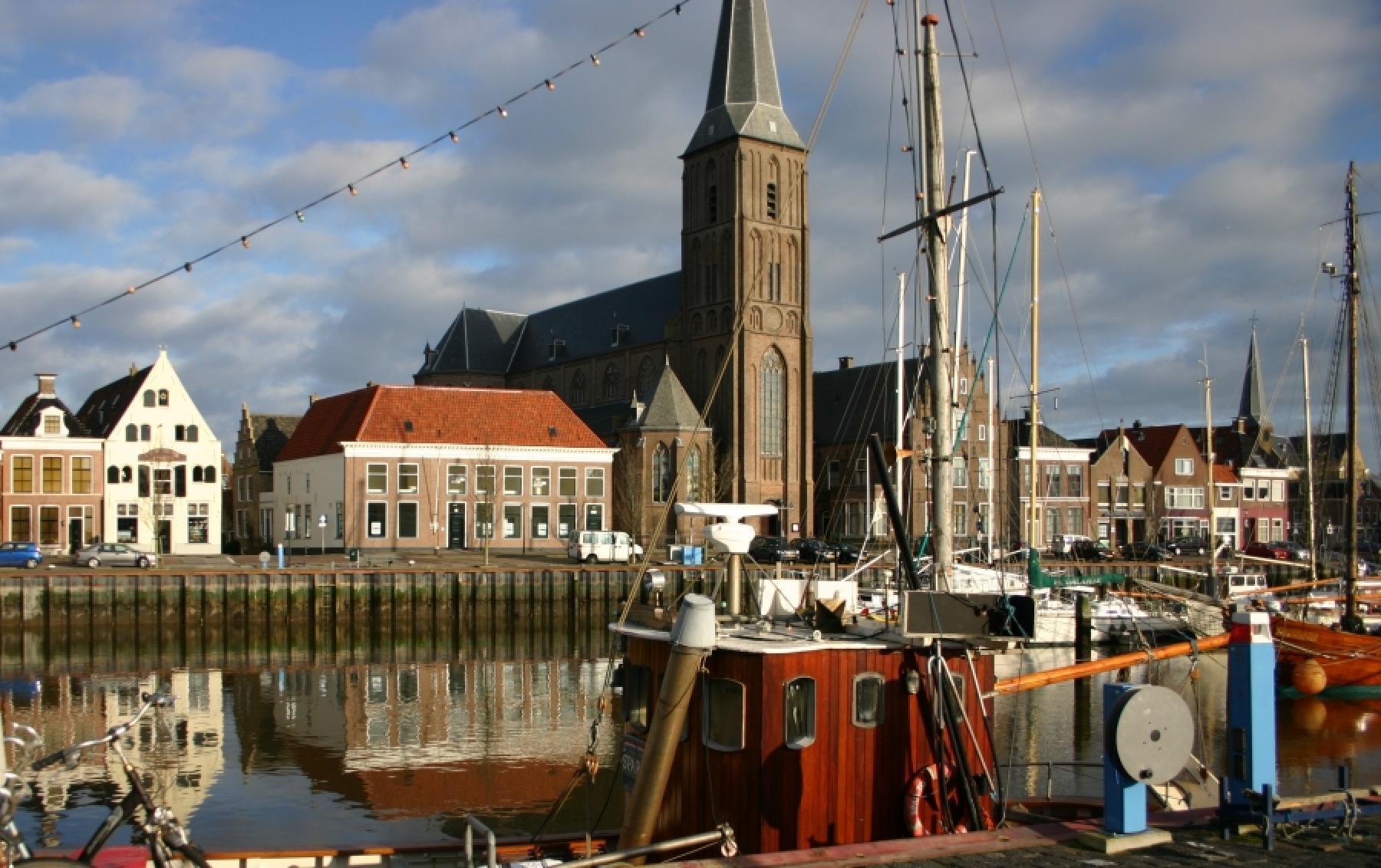 buitenzijde vooraanzicht huren Zuiderhaven Harlingen
