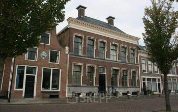 Buitenzijde vooraanzicht kantoorgebouw Harlingen Noorderhaven