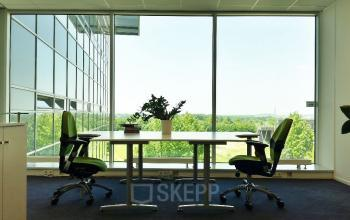 Working spaces at the window