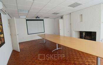 vergaderruimte presentatie kantoorkamer kantoorgebouw Hengevelde
