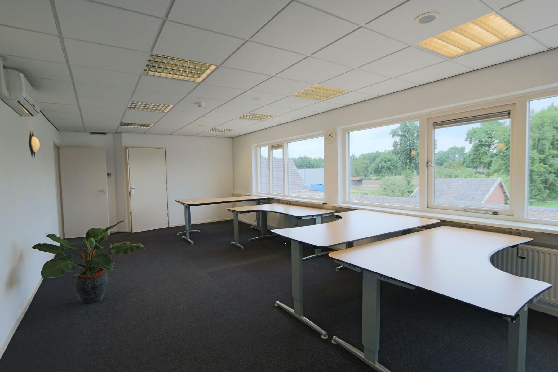 kantoorruimte kantoorkamer kantoorpand kantoorgebouw Hengevelde