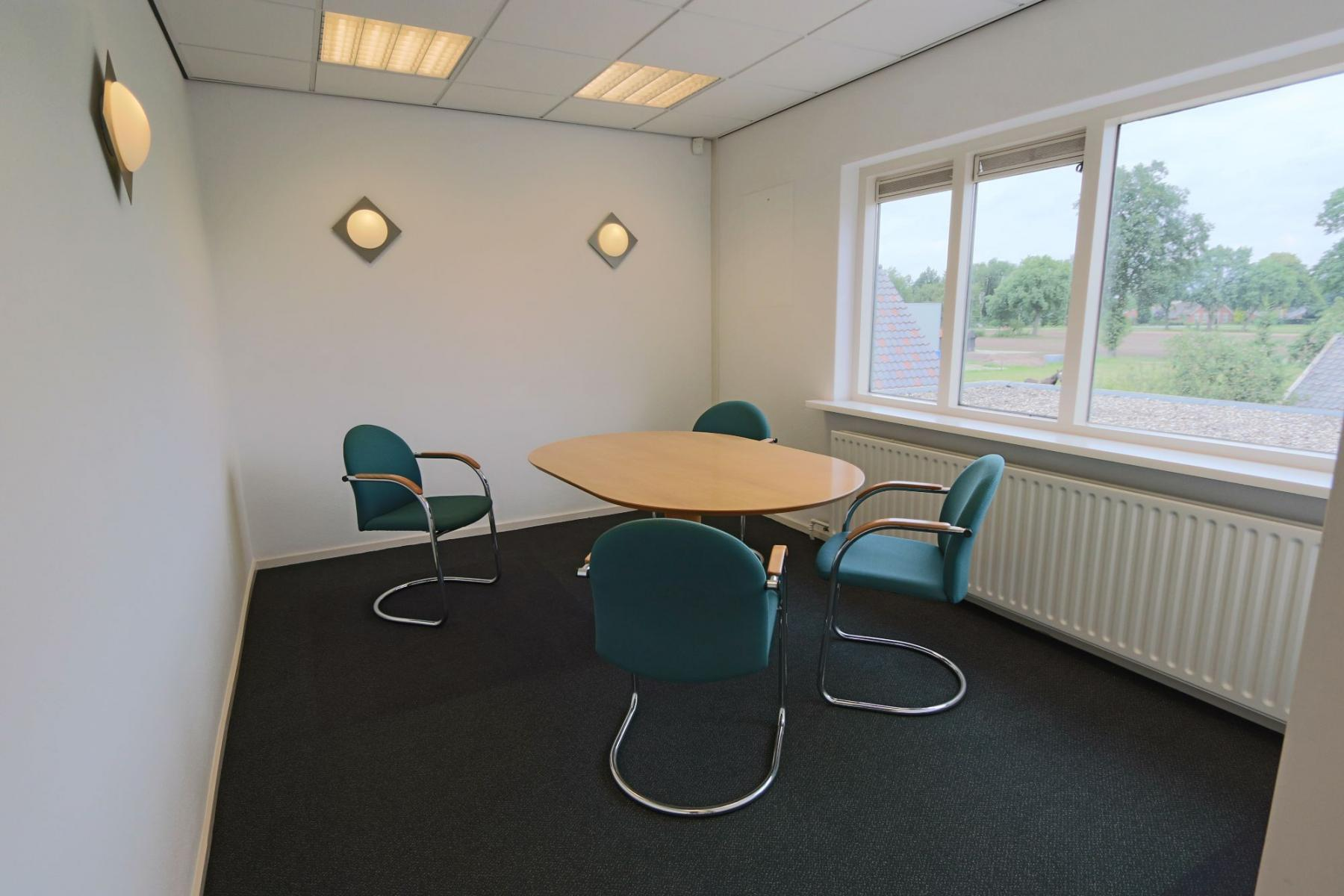 vergaderruimte presentatie kantoorkamer Hengevelde SKEPP