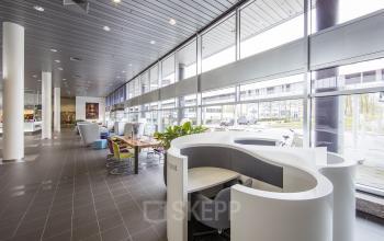 hoofddorp polarisavenue kantoorgebouw gemeenschappelijke ruimte flexwerkplekken huren