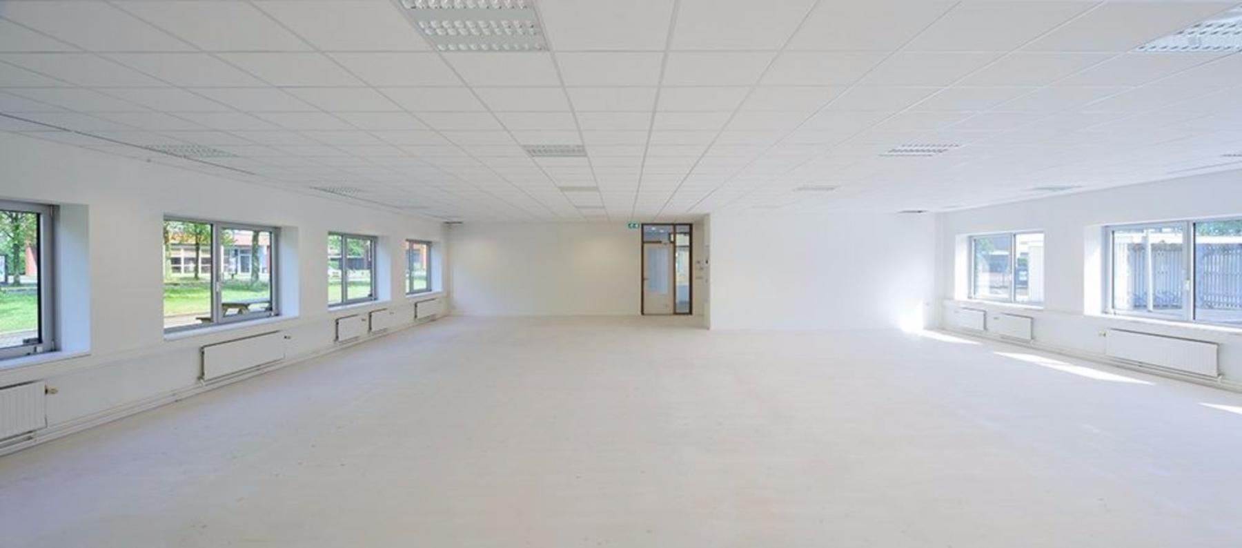 Empty office space for rent in Houten