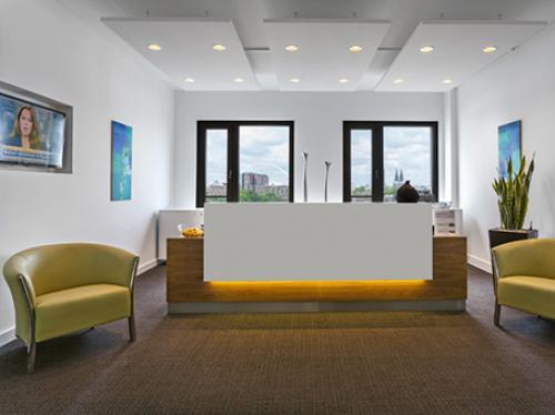 Beeindruckende Rezeption des Bürogebäudes in Köln Ehrenfeld