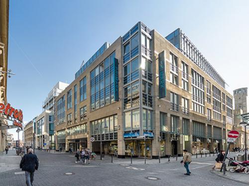 Beeindruckende Außenansicht der Immobilie an der Richmodstraße in Köln