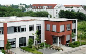Schöne Außenansicht der Büroimmobilie in Köln-Nippes