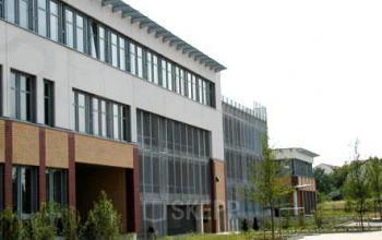 Modernes Bürogebäude mit preiswerten Büroräumen in Köln Nippes
