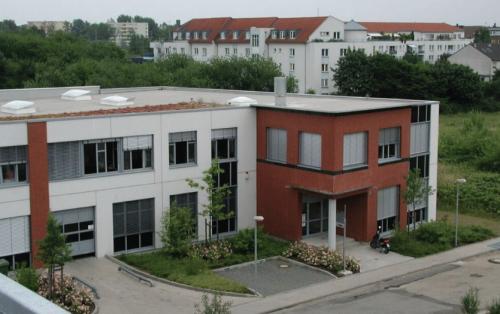 Beeindruckende Außenansicht des Bürogebäudes in Köln Nippes