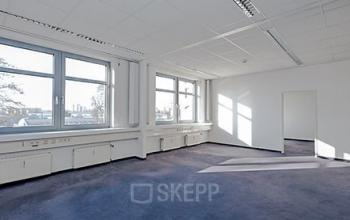 Helle Bürofläche mieten in Köln Porz