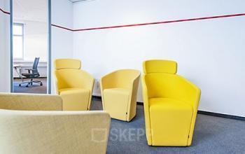 Gemütliche Sitzecke im Business Center Köln Porz