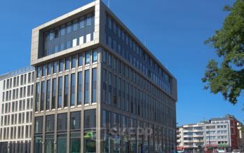 Stilvolle Außenansicht des Bürogebäudes in Köln-Südstadt