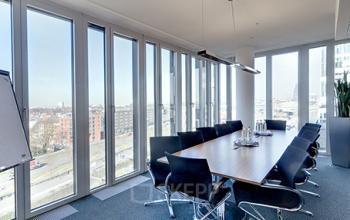 Großer Konferenzraum der Immobilie in Köln-Südstadt