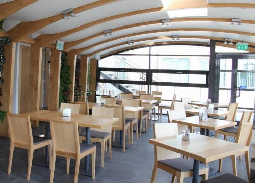 bar zielone tarasy słowackiego 64 kraków