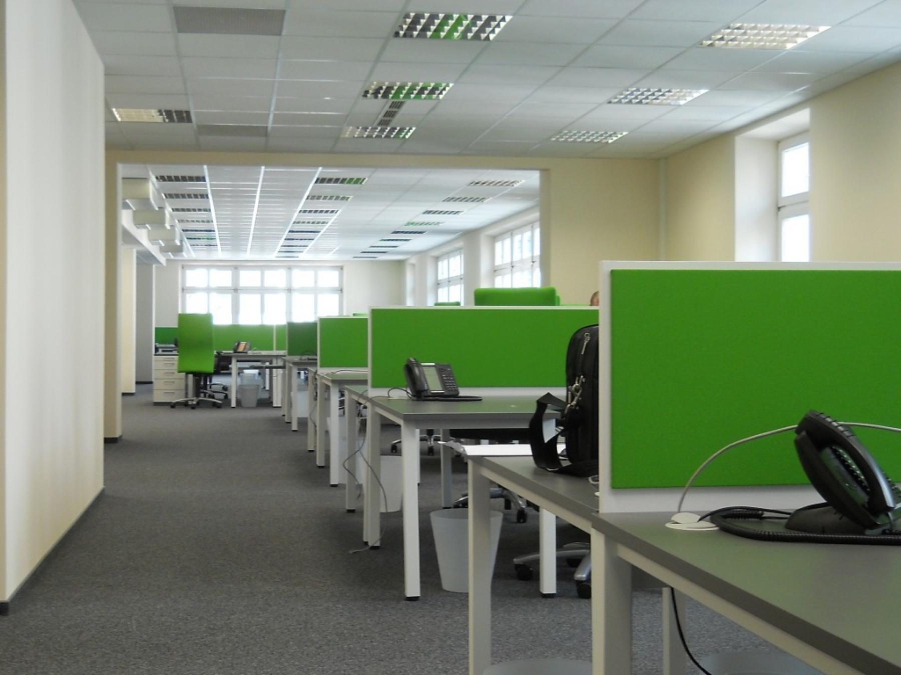 office for rent aleja slowackiego 64 cracow