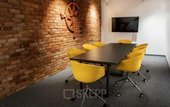 sala konferencyjna w biurowcu diamante plaza