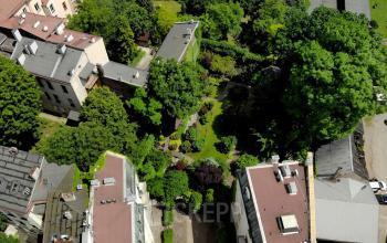 widok z lotu ptaka na ogród karmelicka 27 kraków