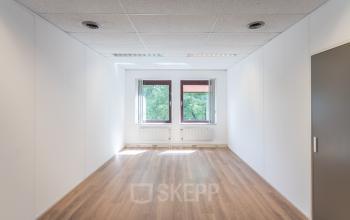 Rent office space Kanaalpark 157, Leiden (1)