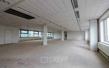 Empty office space for rent not furnished